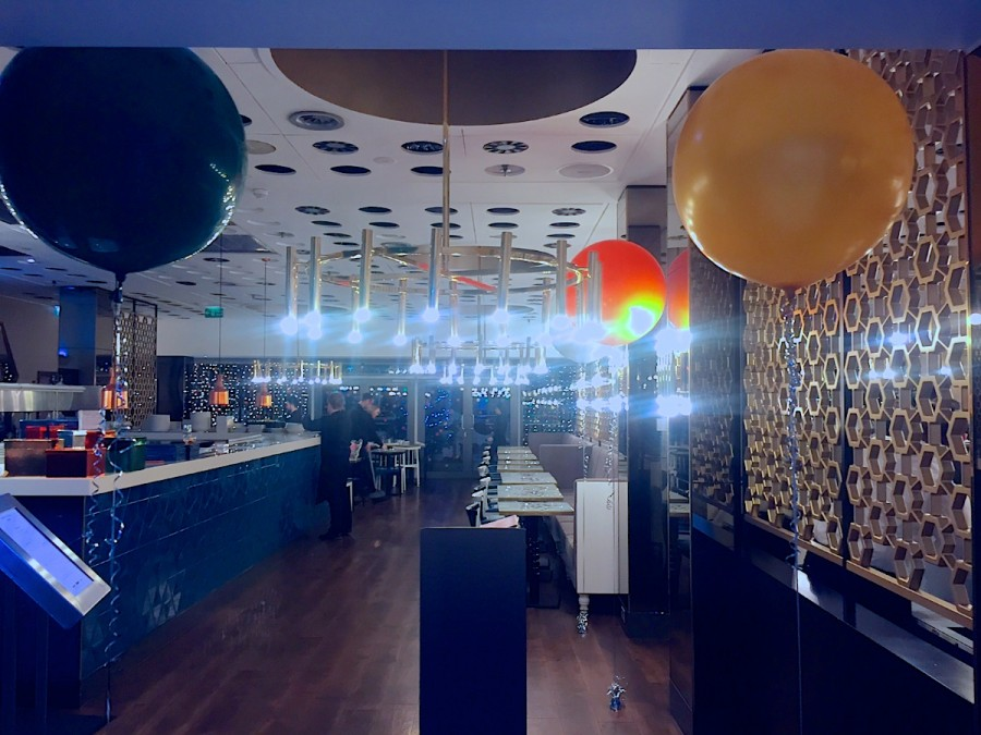 3 foot helium balloons, Victoria Quarter, leeds, helium balloons, 3 foot balloons, helium balloons,